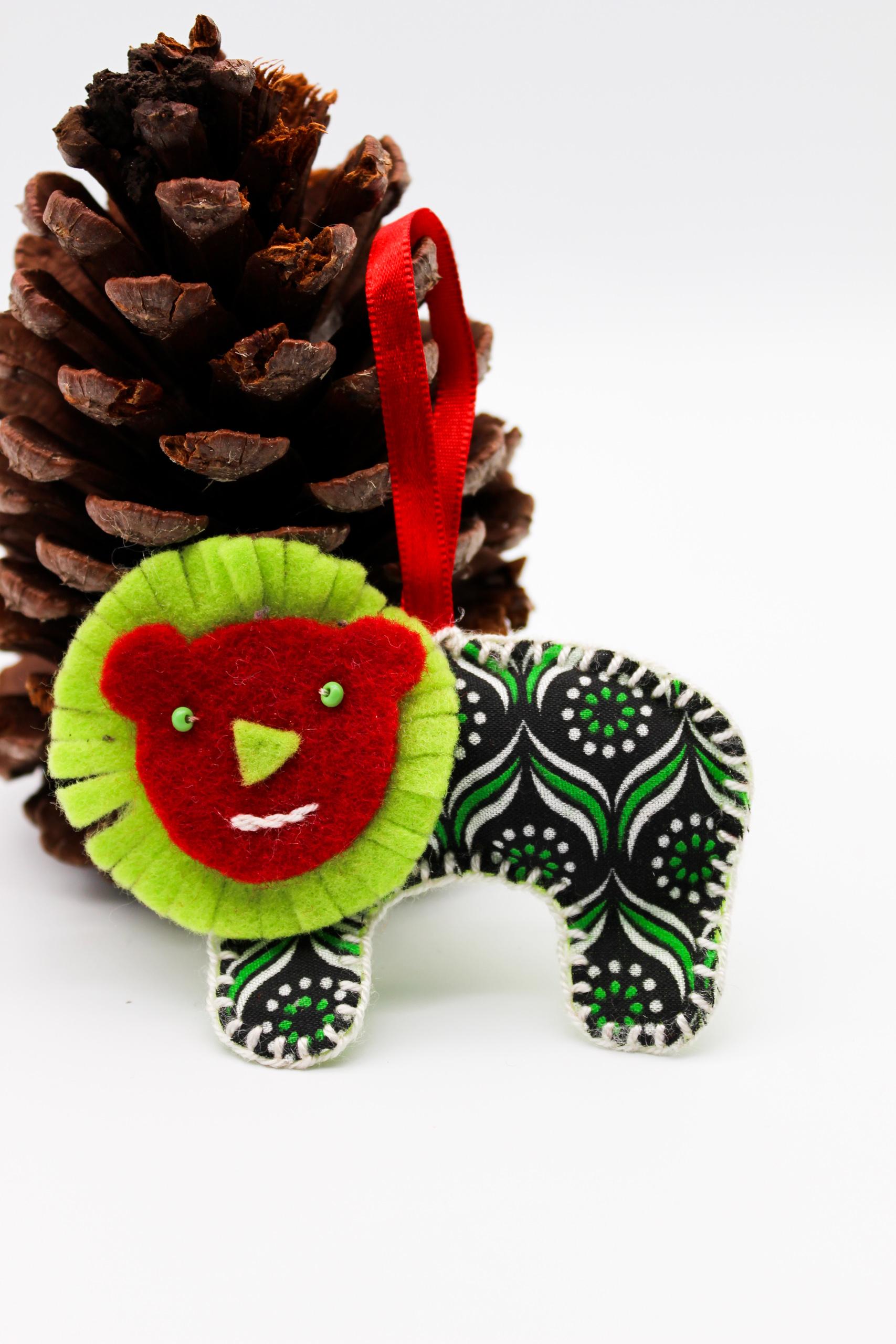 green-lion-christmas-decor