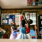 Ingani-Yami-girls-dancing