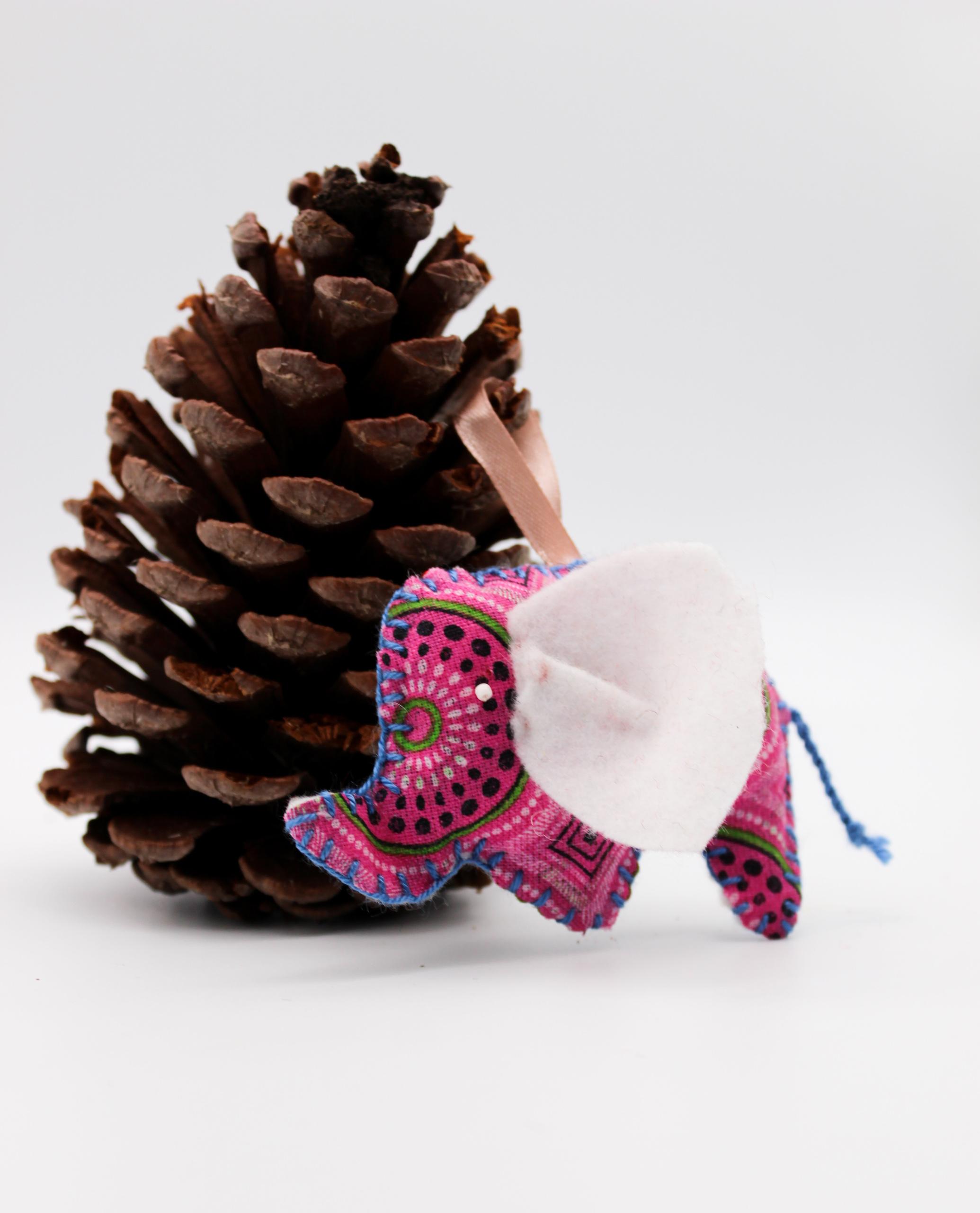 Christmas-elephant-pink