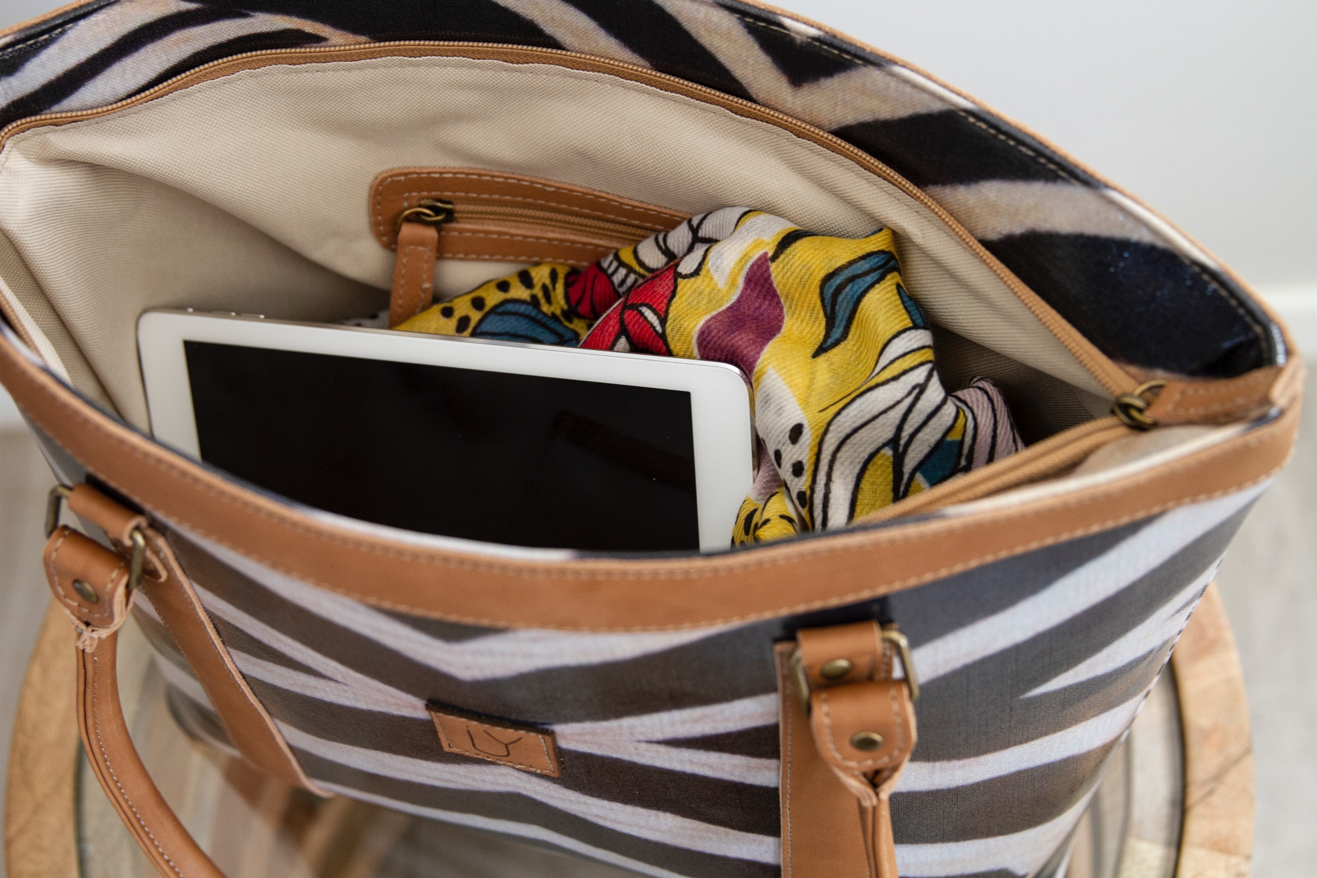 IY-Apparel-Jozi-Tote-Zebra-Inside-iPad