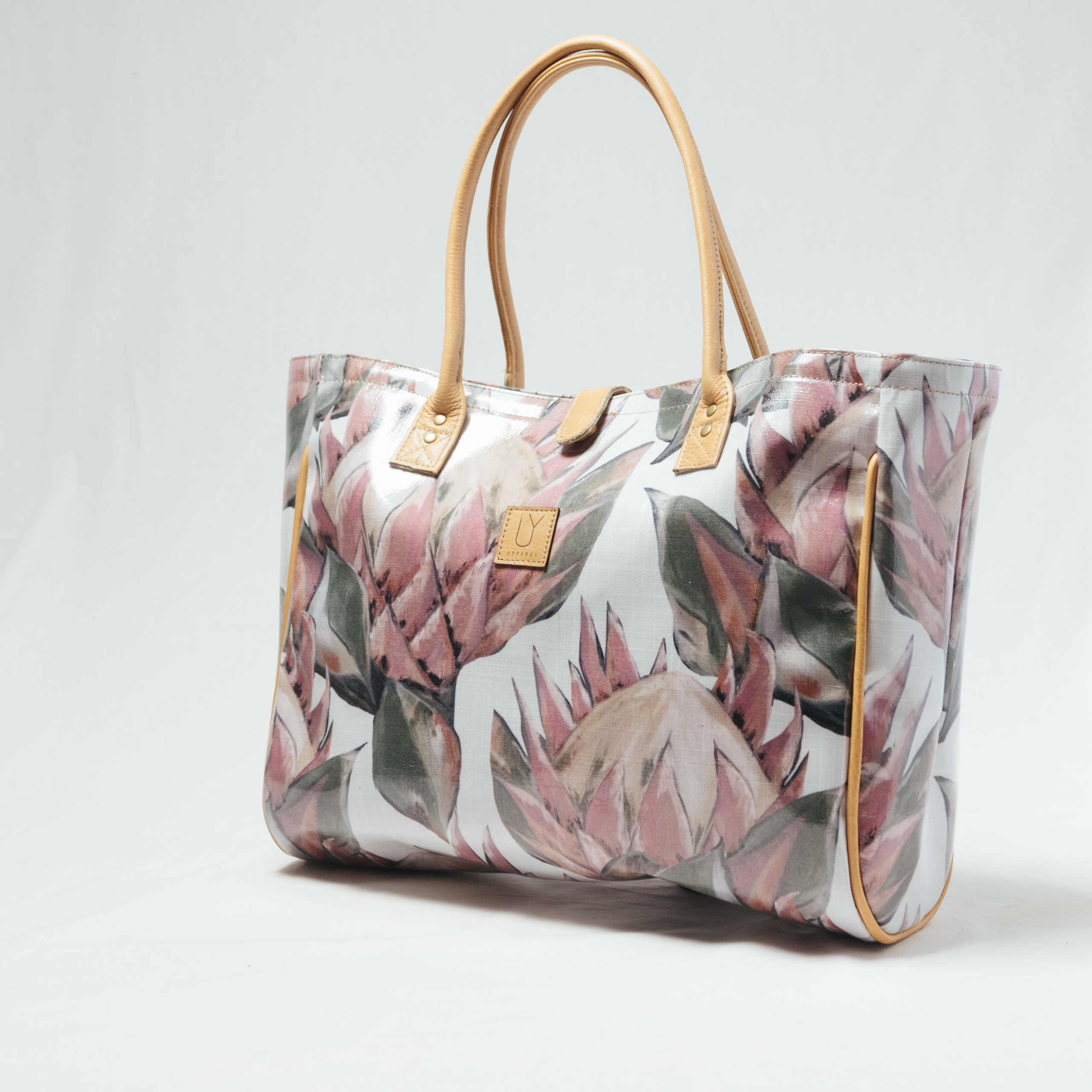 IY Apparel-beach bag-pallete-king-white