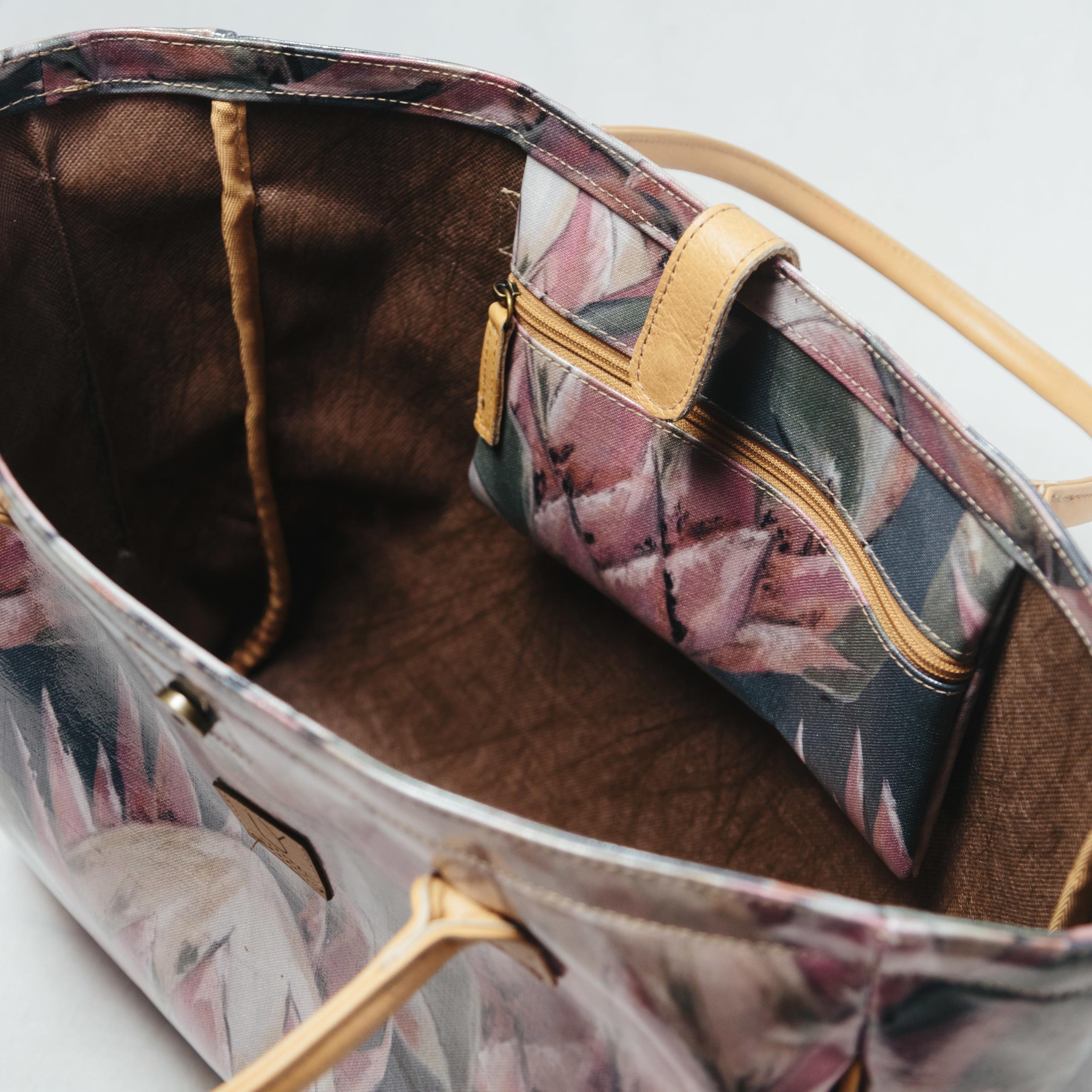beach-bag-IY-Apparel-inside