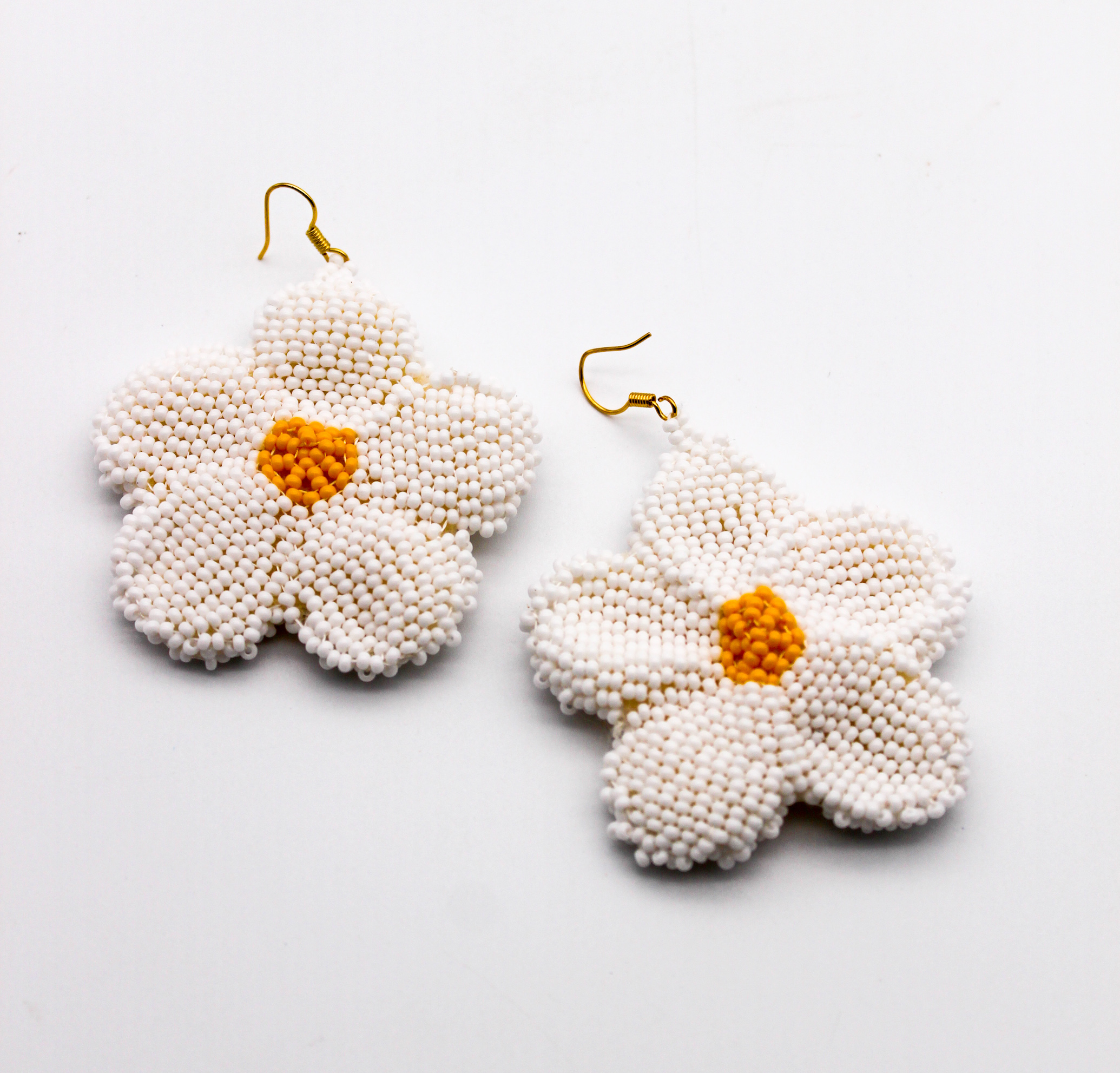 daisy-beaded-earrings
